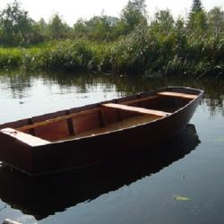 Houten roeiboot
